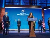 نائبة الرئيس الأمريكى: أولويتنا السيطرة على الوباء وإعادة الناس إلى العمل