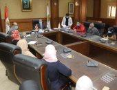 نائب محافظ سوهاج يتابع منظومة العمل بإدارات خدمة المواطنين بالوحدات المحلية