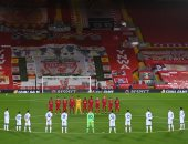 دقيقة صمت قبل انطلاق مواجهة ليفربول ضد أتالانتا حدادا على مارادونا.. صور