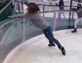 لحظة سقوط شام الذهبى فى موقف محرج أثناء استمتاعها بالتزلج.. فيديو وصور