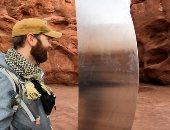 هيكل معدنى غامض يظهر ويختفى فى صحراء يوتا الأمريكية