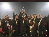رئيس اتحاد كرة القدم بجنوب أفريقيا يهنئ موسيمانى بالفوز بدورى أبطال أفريقيا