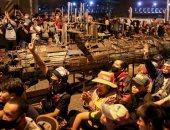 ألاف التايلانديين يتحدون رئيس الحكومة والجيش ويطالبون بإجراء إصلاحات ..صور