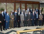 مجلس جامعة طنطا يكرم رواد التميز فى قائمة أفضل علماء العالم