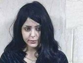 سلمى الشيمى بطلة فوتوسيشن سقارة والمصور يغادران مركز شرطة البدرشين