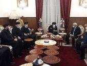محافظ بورسعيد يقدم التعازى لمطران المحافظة فى وفاة القمص صموئيل موسى