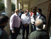 مدير صحة القليوبية يتابع سير العمل بمستشفيات العزل والفرز وتوافر الأدوية
