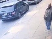 """فيديو يرصد لحظة مقتل مغنى الراب الأمريكى """"تريبل بينز"""" بالرصاص فى وضح النهار"""