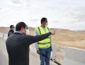 الرئيس السيسى يتفقد مشروعات الشبكة القومية للطرق والمحاور بالقاهرة والجيزة