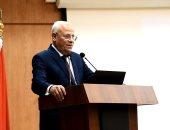 محافظ بورسعيد يعقد اجتماعا مع رؤساء الأحياء ويشدد على تطبيق الإجراءات الاحترازية