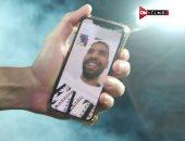 مشهد وفاء.. مؤمن زكريا يحضر تتويج الأهلى بلقب كأس مصر من الملعب عبر الفيديو