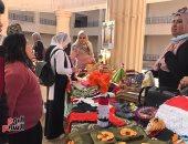 أصحاب الهمم بشمال سيناء يبدعون فى رسم لوحات فنية وعمل مجسمات ورقية وتدوير الملابس