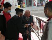 كبار السن يتوافدون على لجان دار السلام للمشاركة بانتخابات مجلس النواب.. صور