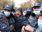 صور.. الشرطة الأرمينية تحتجز عددا من المتظاهرين المطالبين بإقالة رئيس الوزراء