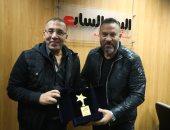 """ماجد المصرى يحتفل بنجاح """"الوجه الآخر"""" فى تليفزيون اليوم السابع.. صور"""