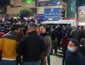 لليوم الثاني على التوالي.. مئات الفلسطينيين يحتشدون في الخليل رفضا للإغلاق