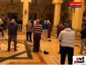 """وداعًا """"رجل المستحيل"""".. اللقطات الأولى من تشييع جنازة الدكتور نبيل فاروق"""