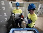 الدفعة الأولى من لقاح كورونا تخرج من مصنع فايزر لـ 50 ولاية أمريكية.. صور