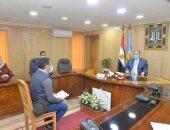 محافظ أسيوط يؤكد على ضرورة التواصل مع المواطنين ويأمر بصرف إعانات عاجلة