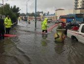 فيديو وصور.. تصريف مياه الأمطار وفتح الطريق للمرور بكوبرى المندرة شرق الإسكندرية