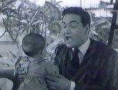 """طفل أغنية """"ماما زمانها جاية"""" يعود ليكشف تفاصيل حياته بعد 64 سنة.. فيديو"""