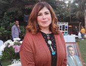 """دكتورة حامدة بنت الشاعر الغنائى حسين السيد تحتفل بتوقيع كتابه """"عاشق الروح"""".. فيديو وصور"""