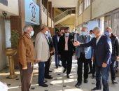 محافظ السويس يستقبل وزير الرى لتفقد مشروعات تبطين الترع.. صور