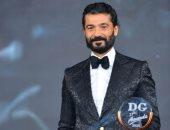 خالد النبوى يهدى جائزة أفضل ممثل سينما من دير حيست للراحل محمود ياسين
