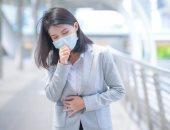 عداد إصابات كورونا لا يتوقف.. مليونا شخص فقدوا حياتهم بسبب الفيروس.. علامات جديدة تؤكد العدوى.. لون الأظافر وشحمة الأذن تكشف نقص الأكسجين بالدم.. والأعراض الشائعة تشمل التهاب الحلق والحمى وفقدان حاسة الشم