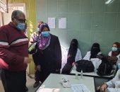 صور.. تنظيم قافلة طبية لمدة يومين لتقديم الكشف والعلاج المجانى بالبساتين