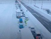 مصرع شخص وتصادم أكثر من 130 سيارة على طريق سريع فى اليابان بسبب الثلوج