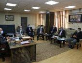 محافظ السويس يستقبل أعضاء مجلسي الشيوخ والنواب.. صور