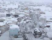 الثلوج تغطى معبد الأكروبوليس فى موجة برد تجتاح أثينا