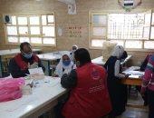 فحص طلبة مدرسة العديسات الإعدادية ضمن مبادرة 100 مليون صحة بالأقصر