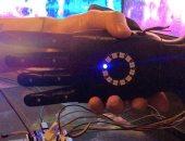 مهندس أمريكى يطور يداً إلكترونية باستخدام الذكاء الاصطناعى(صور)