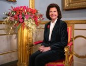 الملكة سيلفيا تحتفل بعيد ميلادها الـ77 والجيش السويدى يطلق 21 طلقة
