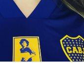 ابنة مارادونا بقميص والدها فى بوكا جونيورز : كم أحب أبى تلك الألوان