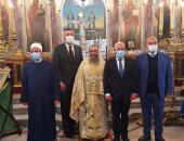 محافظ بورسعيد يزور عددا من الكنائس لتهنئة الأخوة الأقباط بعيد الميلاد.. صور