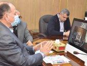 محافظ أسيوط يشارك فى اجتماع وزيرا الصحة والتنمية المحلية لاستعراض مستجدات كورونا
