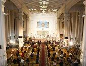 بطريرك الكاثوليك يترأس قداس عيد الميلاد بكاتدرائية العذراء.. صور