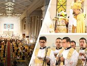 انتهاء قداس الكنيسة الكاثوليكية والبطريرك يودع الحضور