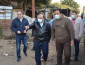 وزير التنمية المحلية يقود حملة لرفع القمامة بالقناطر استجابة للمواطنين.. صور