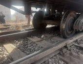 أول صور لخروج قطار ركاب الأقصر - الإسكندرية عن القضبان فى قنا