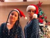 """سيرين عبد النور تحتفل بـ""""الكريسماس"""" برقصة مع ابنتها.. فيديو وصور"""