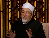 خالد الجندى: أدعياء التدين يحرمون تهنئة غير المسلمين ويقبلون الأقدام للحصول على تأشيرة