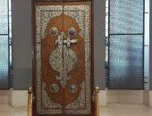 باب مسجد السيدة زينب صنعه يهودى ويوجد فى متحف الفن الإسلامى.. فيديو
