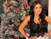 رانيا يوسف تحتفل بالكريسماس بإطلالة جريئة