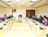 وزير الإنتاج الحربى يلتقى متدربى برنامج الألياف الضوئية بالعربية للتصنيع