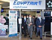وزير الطيران المدنى يتفقد مطار القاهرة الدولى ويتابع تطبيق الإجراءات الاحترازية