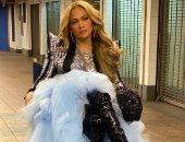 جنيفر لوبيز تودع 2020 بجلسة تصوير جديدة فى مترو أنفاق نيويورك